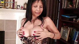 سيدة رائعة تطلق فلم سكسي مصري لها phallus شعر