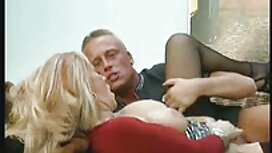عاهرة الروسية ذات الشعر الداكن البالغة من العمر 19 عامًا تمارس الجنس مع رجل في الحمام وفي الهواء الطلق سكسي مصرة