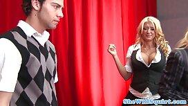 فاتنة رقيقة يأخذ الديك على عربي مصري سكسي الشركة